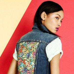 ❤️RARE LEVI'S x LIBERATION Denim Vest Size S